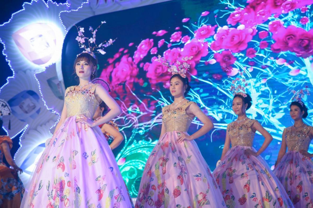 孔雀開屏 絢爛奪目 第五屆全球城市天使香港區選拔大賽美麗直擊圖細胞營養之5
