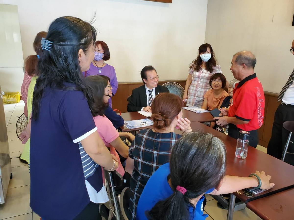 王博士走訪台南據點會見議員里長,公益理念引發共鳴、激起漣漪圖細胞營養之7